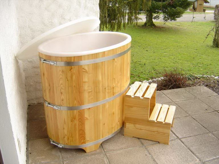 sauna tauchbecken aus holz l rche mit kunststoffeinsatz. Black Bedroom Furniture Sets. Home Design Ideas